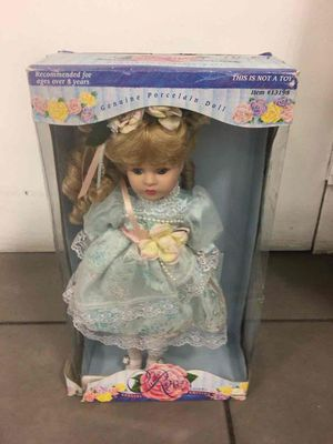 Rose collection doll for Sale in Miami, FL