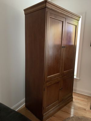 Solid Wood Hutch for Sale in HOFFMAN EST, IL