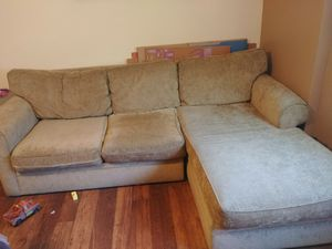 """Small """"L"""" sectional couch for Sale in San Diego, CA"""