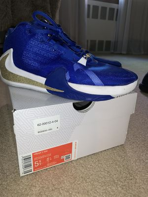 Nike zoom freak sneakers (grade school size) for Sale in Brooklyn, NY