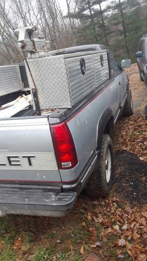Chevy Silverado 92 diesel k2500 8 cylinder for Sale in Germantown, MD