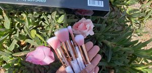 5 pcs makeup brush set for Sale in Los Angeles, CA