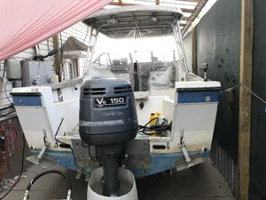 89 Bayliner trophy with Yamaha 150 2 stroke for Sale in Queens, NY