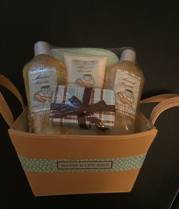 Simple Pleasures Bath Gift Set