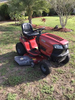 CRAFTSMAN T1600 HYDROSTATIC TRACTOR 46 INCH RIDING LAWN MOWER for Sale in Clermont, FL