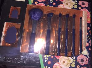 Makeup brushes new for Sale in San Jacinto, CA