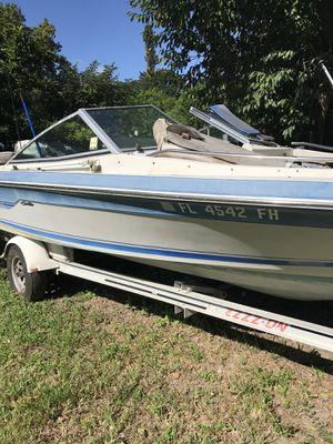 """Boat Searay outboard 18.5 """" Aluminum Trailer Good Engine Evinrude 135HP for Sale in Miami, FL"""