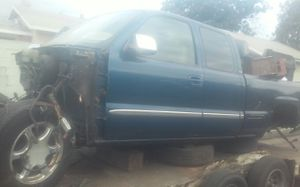 Parting out 2001 GMC for Sale in South Gate, CA