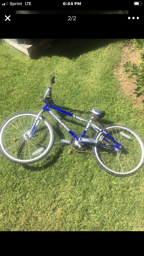 """REDLINE RACING BIKE"""" back tire just needs air and the back freewheel is faulty so I bought a brand new one .Ill also throw in A pre glued super patc"""