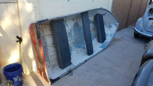 12 foot aluminum boat for Sale in Mesa, AZ