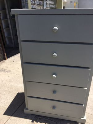 """5 Drawers Dresser solid pine wood( in many colors)50""""HIGH ,29""""WIDE , 18""""DEEP for Sale in Lawndale, CA"""