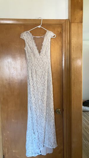 Wedding dress size 4 for Sale in Bolingbrook, IL