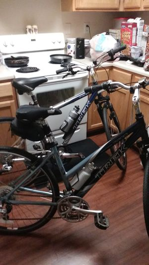 TREK GIRL AND BOY BIKES ONLY BEEN RIDING A FEW TIMES GET THEM IN TIME FOR XMAS GREAT GIFT ONLY 200 DOLLARS EACH for Sale in Tampa, FL