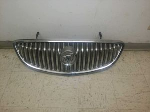 Buick Enclave front grill oem. Fits year 2008-2012. In excellent condition. for Sale in Carson, CA
