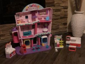 Shopkins Super Mall with other extra stuff like new for Sale in Albuquerque, NM