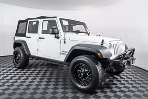 2012 Jeep Wrangler Unlimited for Sale in Puyallup, WA