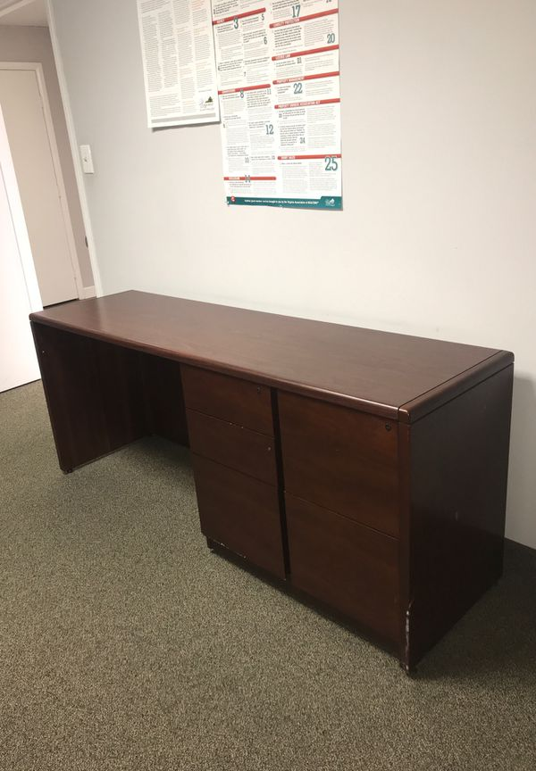 Office Desk in Great Condition