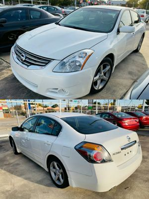 2010 NISSAN ALTIMA CLEAN TITLE DISCOUNT for Sale in Houston, TX