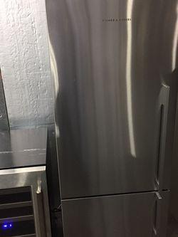 Fridge Refrigerator Freezer Fisher Paykel Free Warranty for Sale in Vancouver,  WA