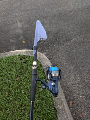 Shimano 4000 thunnus CI4 Baitrunner fishing reel combo for Sale in Tamarac, FL