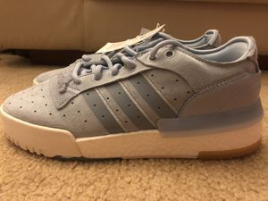 Adidas sneakers rivalry rm low size 8 for Sale in Los Angeles, CA