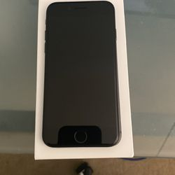 Iphone SE 128gb for Sale in San Diego,  CA