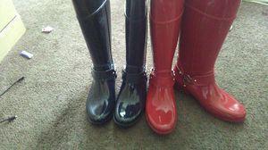Michael kors boots rubber women 10 for Sale in Detroit, MI
