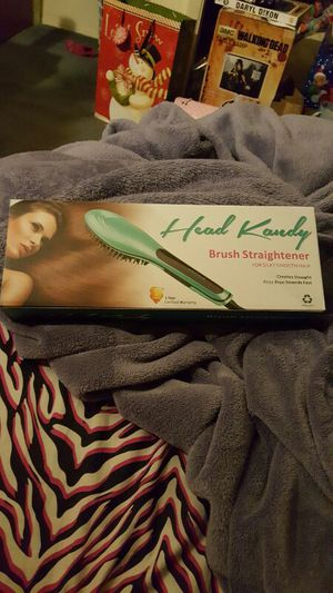 Head kandy straightening brush brand new! for Sale in Gambrills, MD