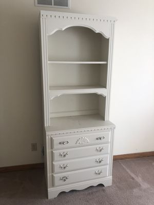 6 price Andreas Furniture bedroom set for Sale in Canton, OH