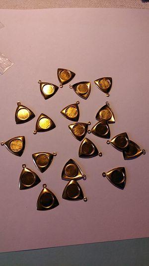 20 PC gold pendant holder 8mm mini coin or stone for Sale in Cape Coral, FL