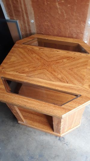SOLID WOOD TABLE for Sale in Fresno, CA