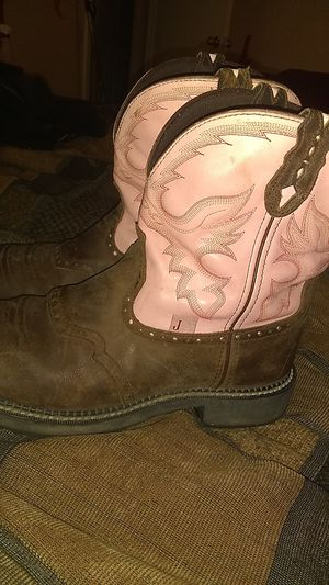 Justin Gypsy Women's Gemma Pink Cowgirl Boots - Round Toe Justin ITEM #045529 for Sale in Fort Worth, TX