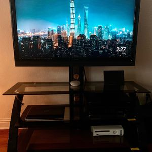 47 Inch Vizio 3D With Mount Set And Console for Sale in Irving, TX