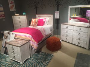 5 PC Twin Bedroom Set, Whitewash for Sale in Santa Fe Springs, CA