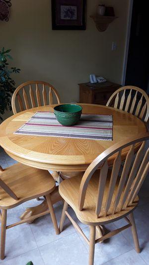 Light oak kitchen table for Sale in Hartsburg, MO