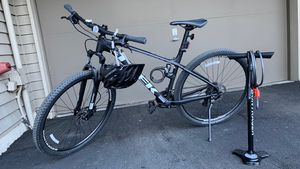 Mountain Bike Marlin 5 Trek with lights and lock and stand + helmet + pump for Sale in Bellevue, WA