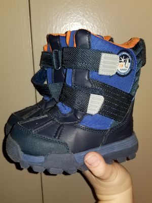 Toddler Snow boots for Sale in Lewisville, TX
