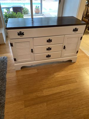 Dresser/buffet for Sale in Arlington, TX