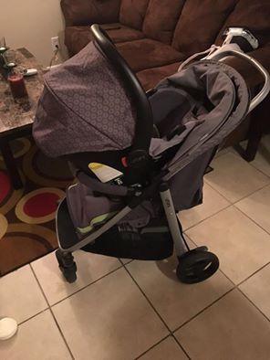 Urbini 3 in 1 stroller combo for Sale in Lake Park, FL