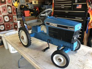 ERTL Ford Pedal Tractor Car for Sale in Fremont, CA