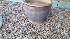 Large flower pot. Very nice. for Sale in Las Vegas, NV