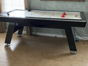 Air hockey table for Sale in Albuquerque, NM