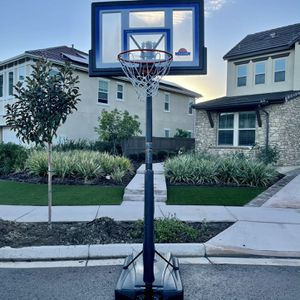 Portable Basketball Hoop for Sale in San Diego, CA