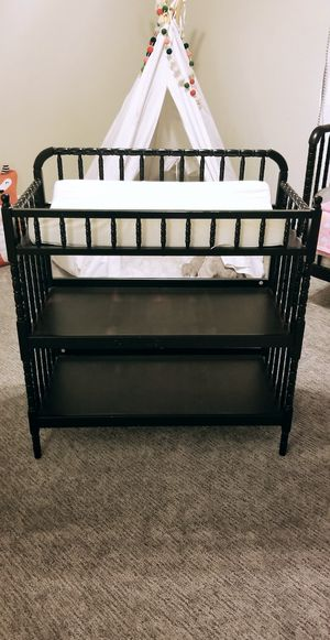 Jenny lind changing table for Sale in Bloomington, CA