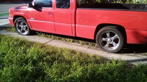 "22""rim and brand new low profile tire on Chevy ss Silverado 1500 700$$$ for Sale in Oakland Park, FL"