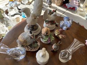 Vintage collection of glass and porcelain birds for Sale in Modesto, CA
