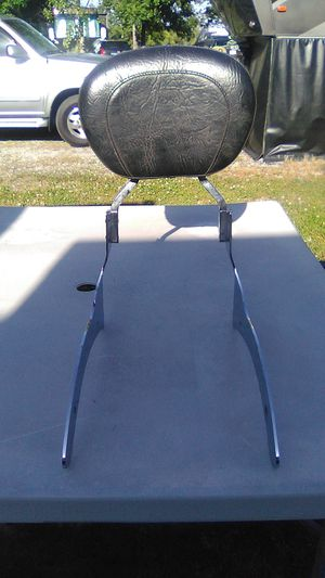 Sissy bar and studded backrest 2003 Yamaha 1100 silverado for Sale in Lenoir City, TN