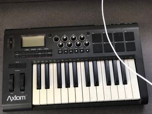 Used, M-Audio Axiom 25 Key MIDI Controller for Sale for sale  Temecula, CA