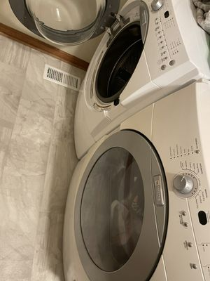 Washer and dryer Maytag for Sale in Virginia Beach, VA