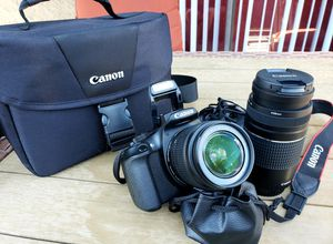 Large excellent condition Canon Rebel T6 camera kit with case for Sale in Chandler, AZ